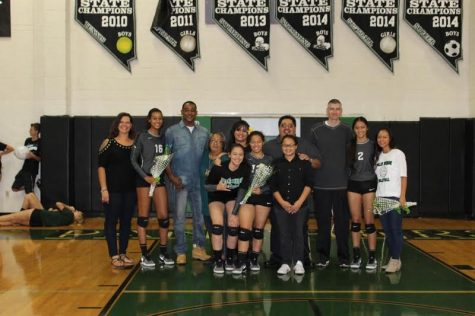 Women's Volleyball Celebrates Senior Night