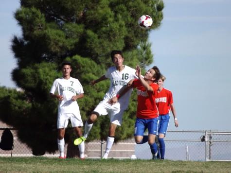 Men's varsity soccer ties the Gorman Gaels
