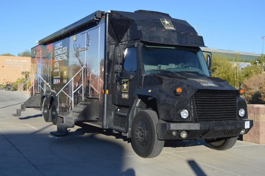 Military recruiting truck rolls into Palo